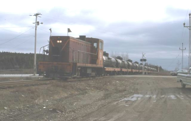 Southbound GFRC train at grade crossing near Bishops Falls N (1)