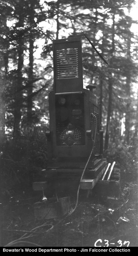 that were electrically powered and required a huge portable generator for power. (Bowater's Woods Department and Jim Falconer Truck Photos).