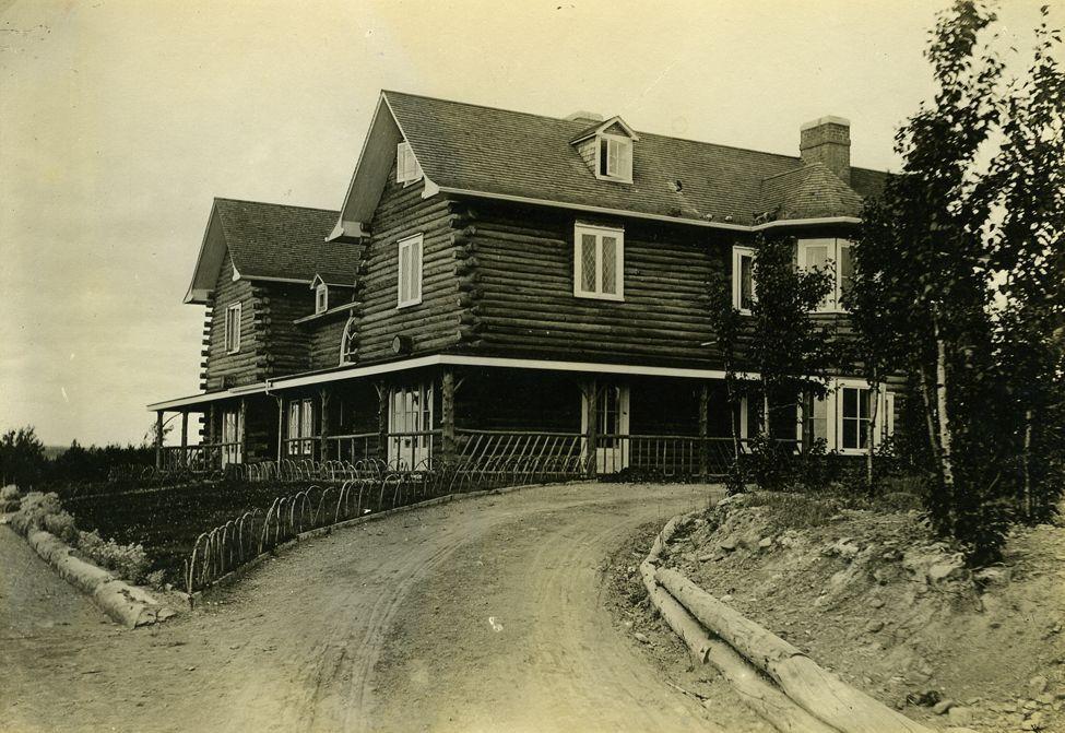 gf log house