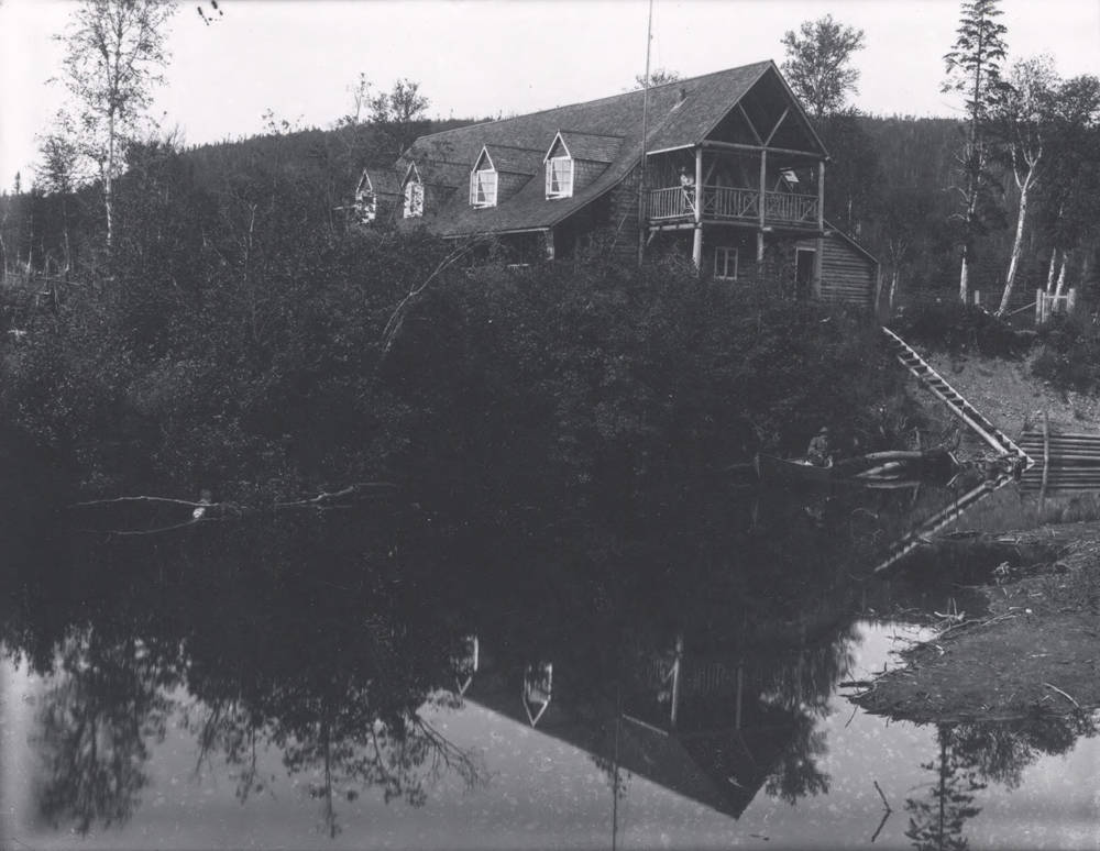 Tom Brown had built the Log Cabin Hotel at Spruce Brook for the Reid Newfoundland Company prior to being contracted to build Lord Northcliffe's Log House.
