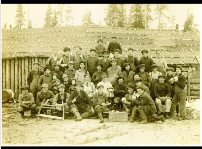 logging-crew-millertown-ches-wellon