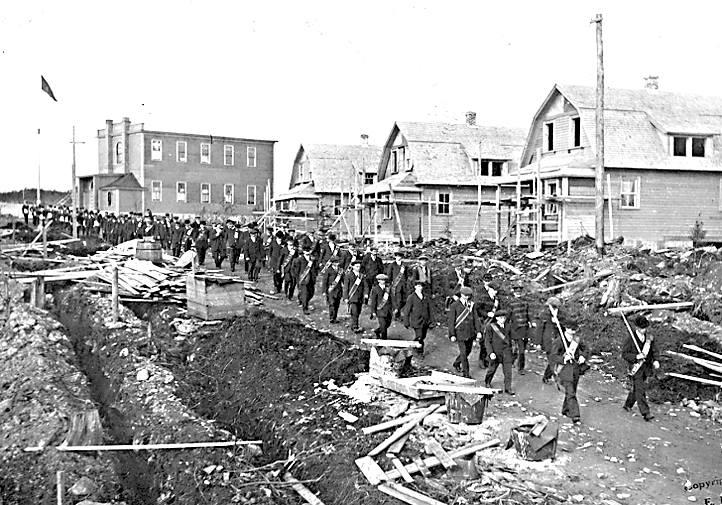 Orangemens parade grand Falls 1917..jpg