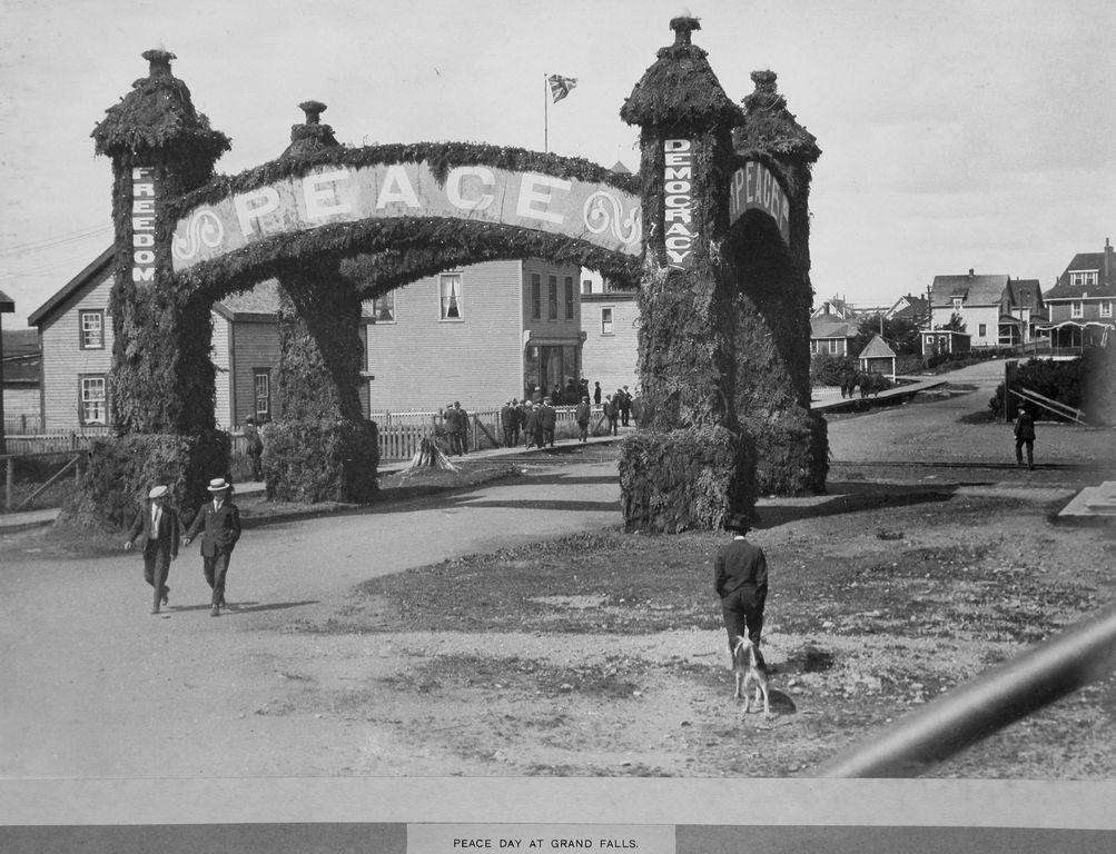 Peach Arch 1919.jpg