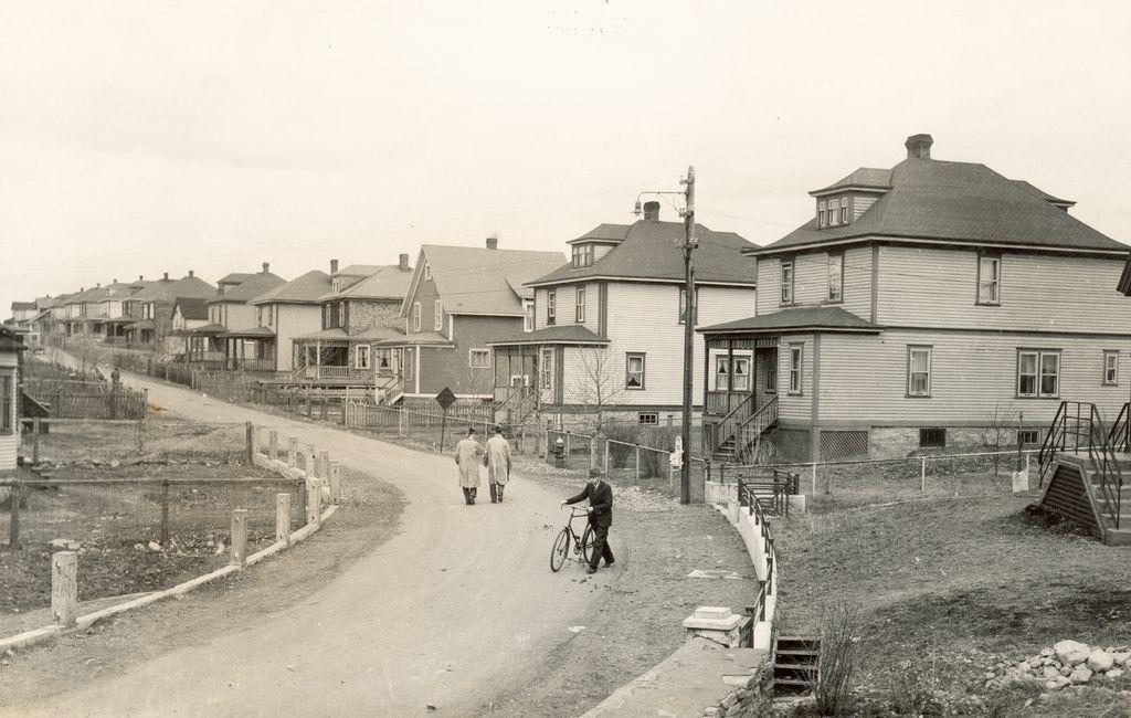 Junction Road 1940's