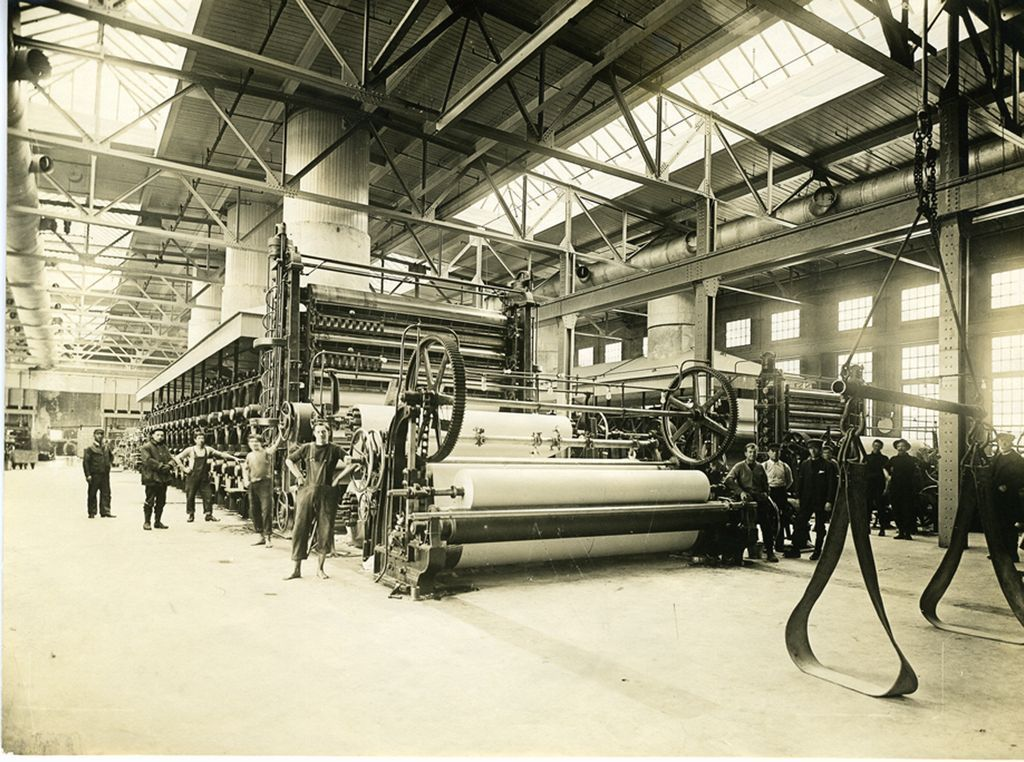 paper machine finished roll 1910
