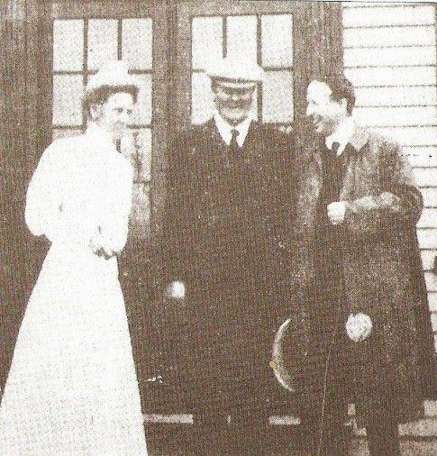 Chamberlain Nurse Gilmour and Lord Northcliffe.jpg