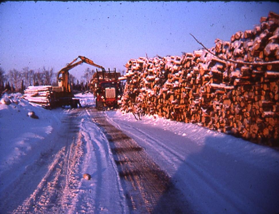 Woods truck loading KS
